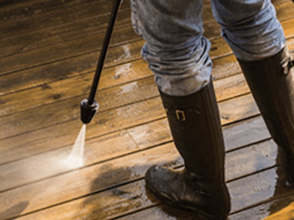 Astuces pour nettoyer sa terrasse