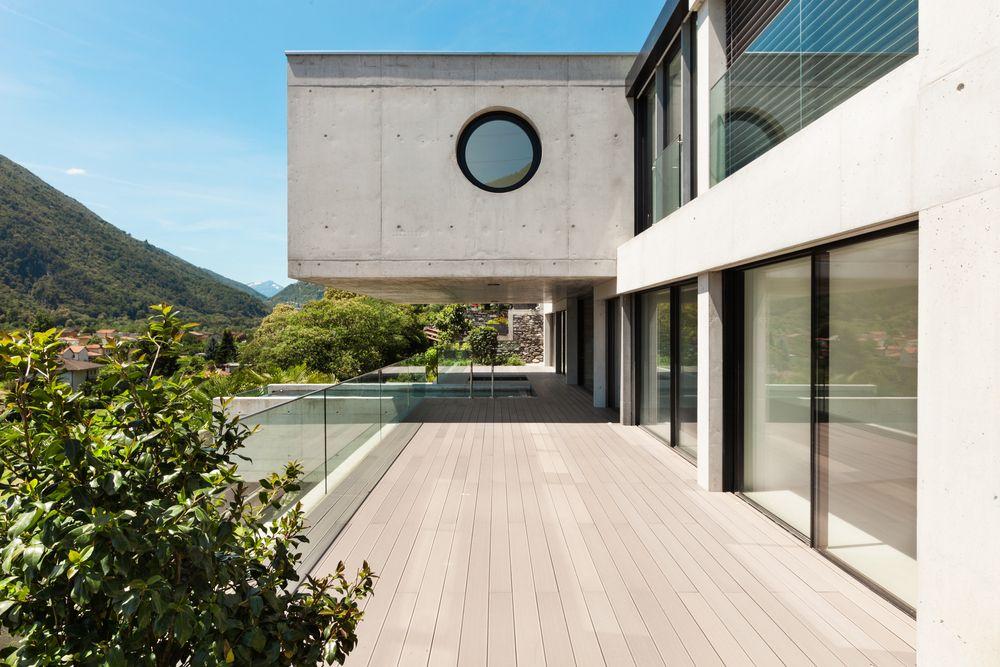 Constructeur maison contemporaine : le toit et la terrasse ...