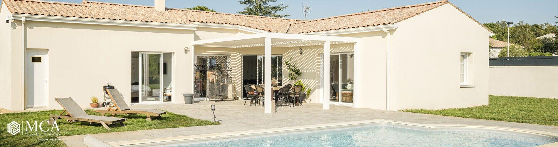 Maison en L avec piscine