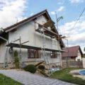 Nettoyer la façade de sa maison